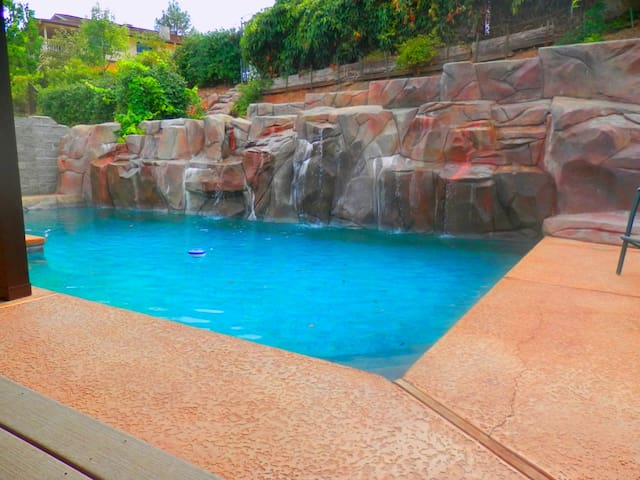 Lake View &Cascading Waterfall Pool - Oroville - Casa