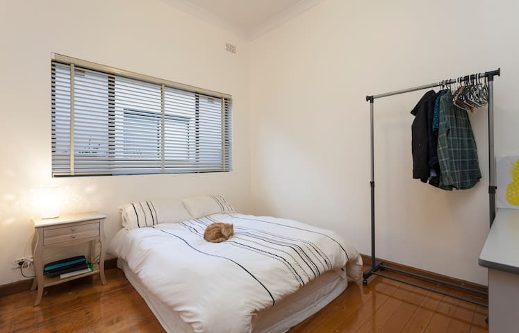 Friendly house in suburban Sydney - Belmore - Huis