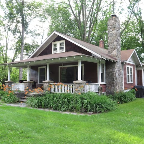 The 1924 Bungalow - Paupack - Casa