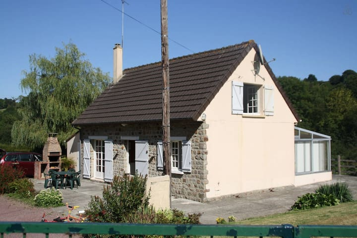 gite proche MONT ST MICHEL - Pont-Farcy - Дом