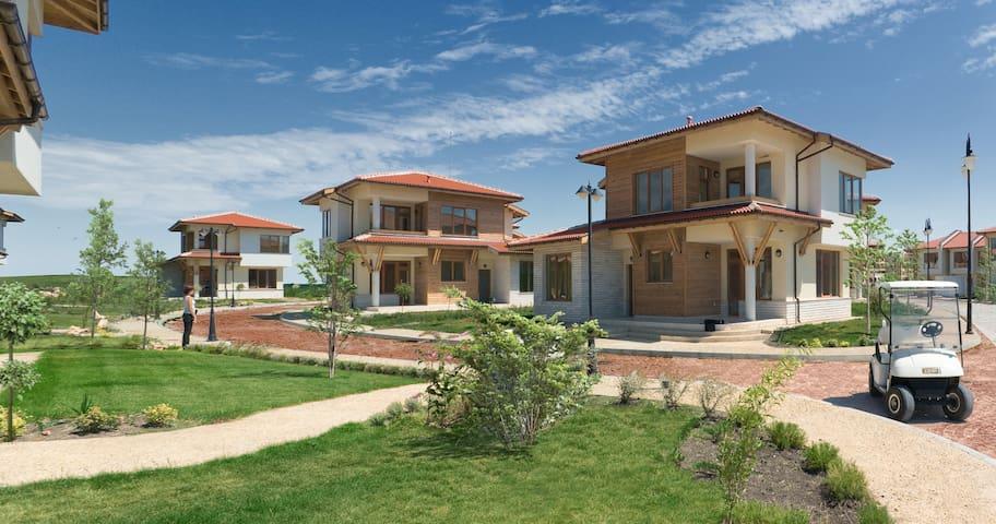 Three Bedroom Villa, located in Lighthouse Golf - Balchik - Ev