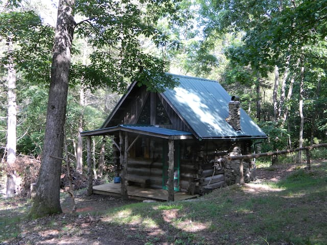 Primitive Log Cabin in the Woods - Anderson - Hytte