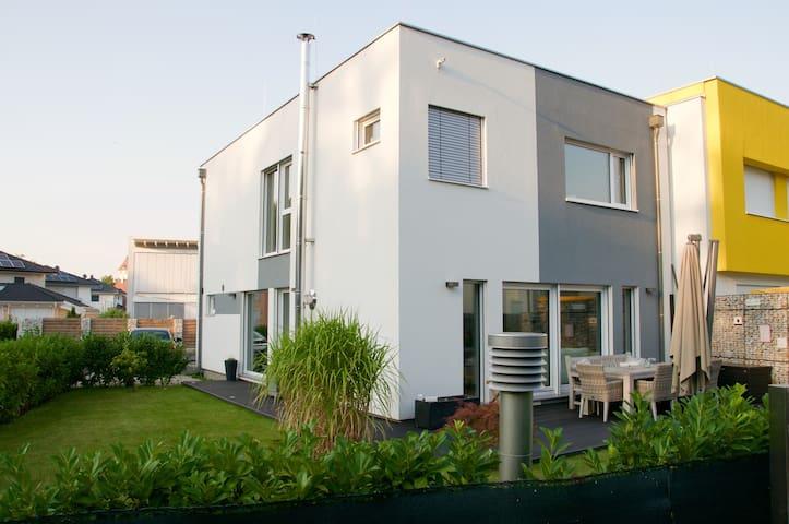 Haus Nähe Wien/Thermenregion - Ebreichsdorf - Ev