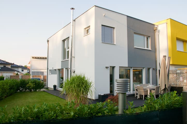 Haus Nähe Wien/Thermenregion - Ebreichsdorf - Σπίτι