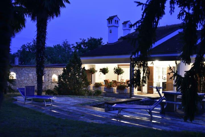 Villa Gulnara - Umag - Ev
