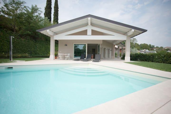 Villa panoramic view swimming pool - Padenghe Sul Garda - Villa