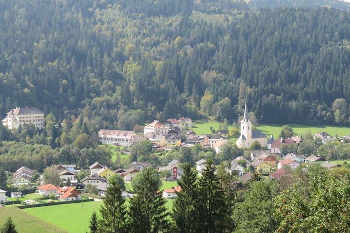 Ruhiges Häuschen - Himmelberg - Casa
