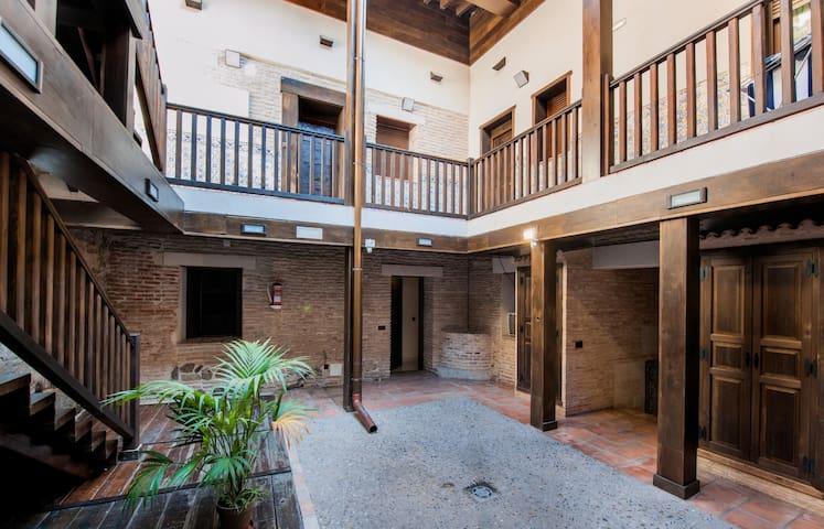 Casa Toledana en pleno centro! - Toledo - Appartement