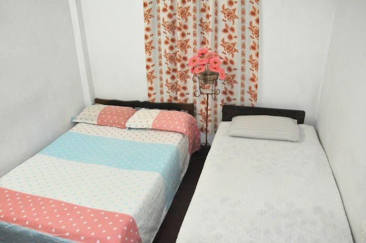 Cozy Room between Airport & Colombo - Kelaniya