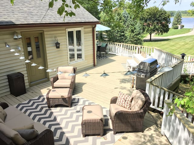 Beautiful 2 kitch home w/ huge deck - Orion charter Township - Casa