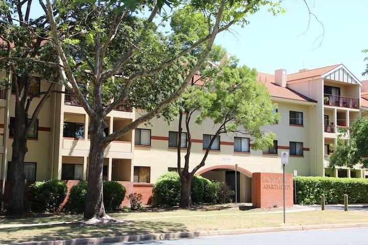 Monterey Apartments - Canberra City - Reid - Apartament