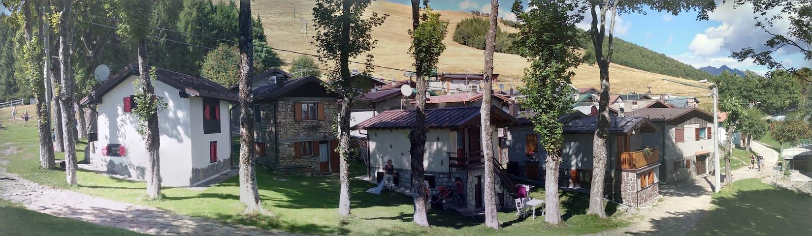 baita in paradiso incontaminato - Giumello - Hytte (i sveitsisk stil)