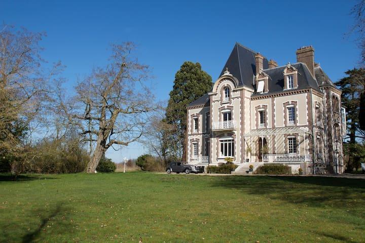 Chambre Montgolfier - Trie-Château - Bed & Breakfast