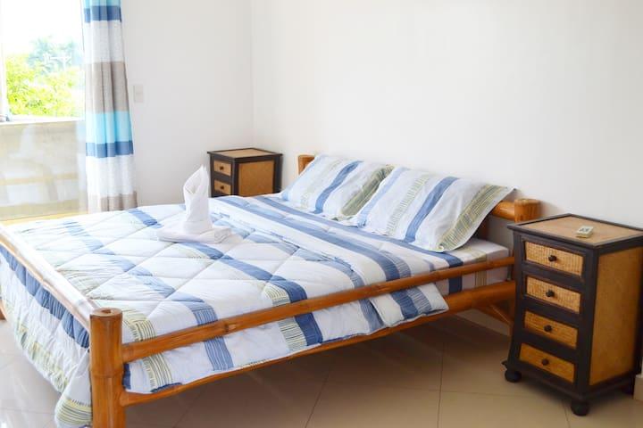 Semi-furnished Studio Apt. (Rm. 4) - Talisay City - Apartmen