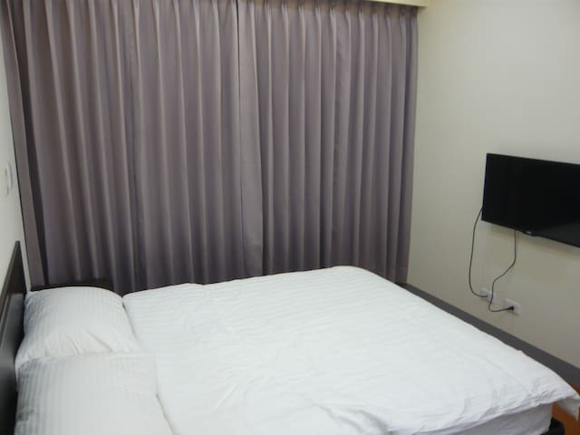 KAOHSIUNG TOURIST  Deluxe Double Room - Gushan District - Apartament