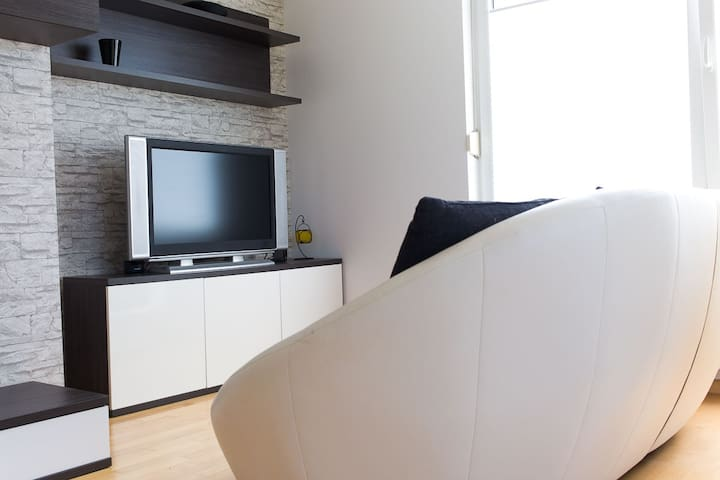 Spacious apartment in peaceful area - Любляна - Квартира