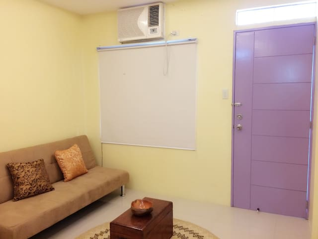 Private Fully Furnished Studio - Malvar - Apartamento
