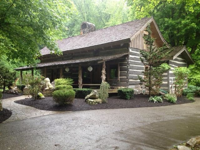 Authentic Cabin, Horse Farm Venue - Knoxville - Cabaña