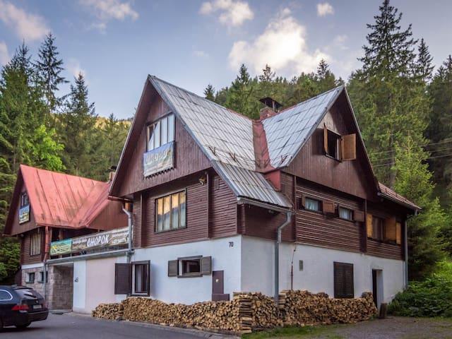 Chata Chopok Turistická ubytovňa  - Demänovská dolina - Chalé