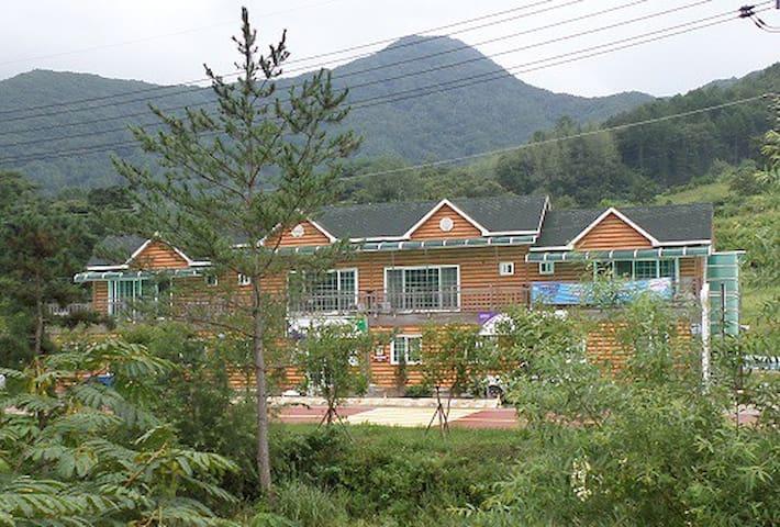LODGE DEL REY w/Mountain & River 00 - Muju-gun  - Loft空間