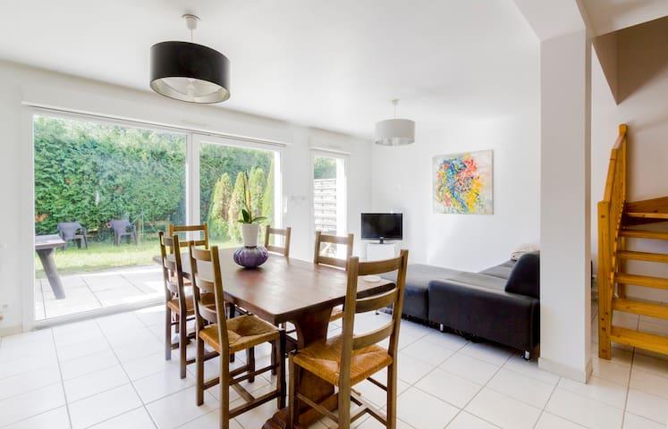 Maison neuve design 100 m2 garage et parking - Audincourt - Huis