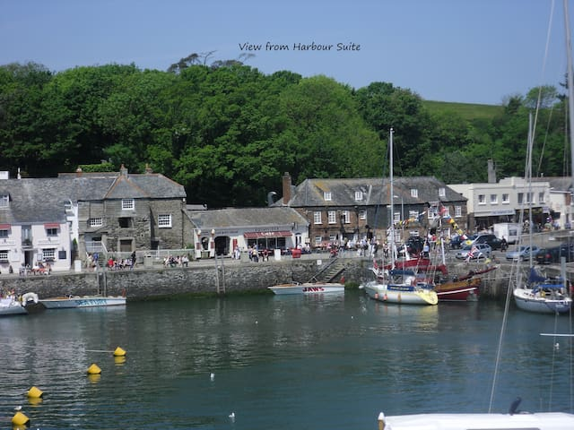 A Room with a View (and a half!) - Padstow - Bed & Breakfast