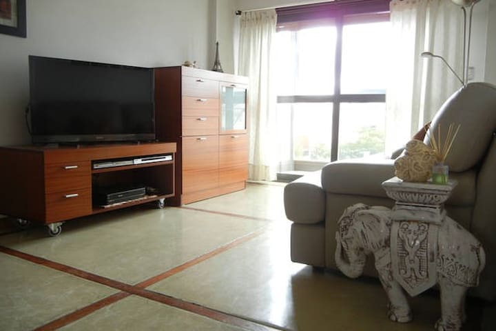 Luxury and big apt for 2 in BA II - Lanús Oeste