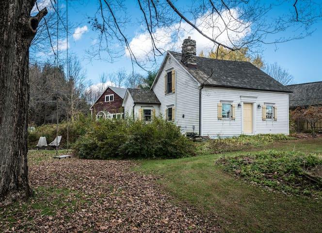 Hummingbird haven guest cottage - Warren - Bungalow