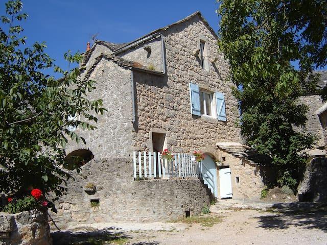 chez régine et jean marc - Saint-André-de-Vézines