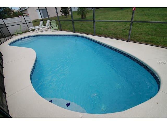 $89.00  4br 2 baths 2,085 SQ FT - Clermont - Rumah