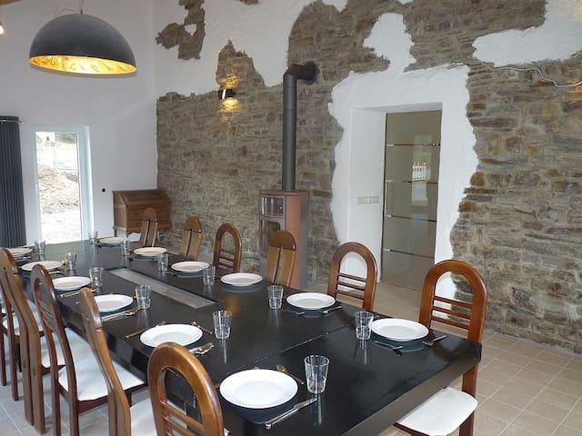 Historic Eifel Vacation home - Zweifelscheid - Huis
