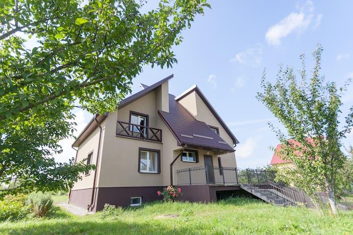 Уютный дом с баней и прудом - Kaliningrad - Hus