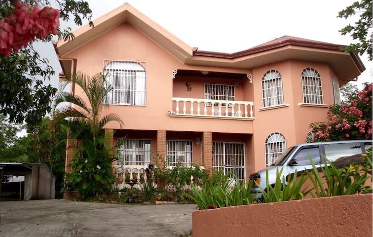 Quinta Villa Flores - Miramar - Huis