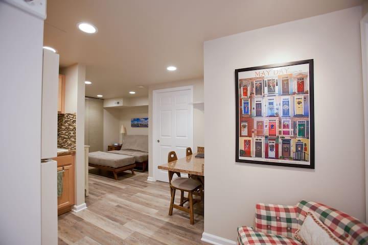 Beautiful New Studio Efficiency - Annapolis - Apartemen