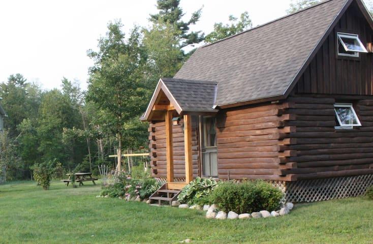 Log Cabin near Middlebury & Brandon - Leicester - Houten huisje