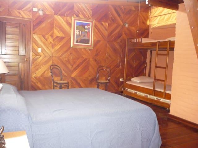 Habitación Matrimonial o Doble - AA - Bahia de Caraquez - 家庭式旅館