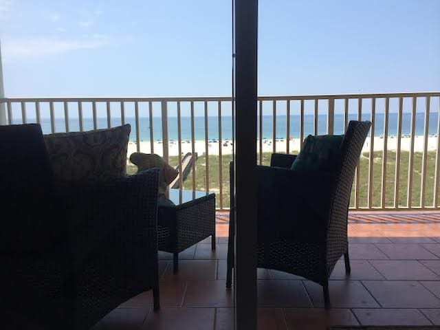 ROMANTIC BEACH GET-A-WAY - ON HGTV! - Orange Beach