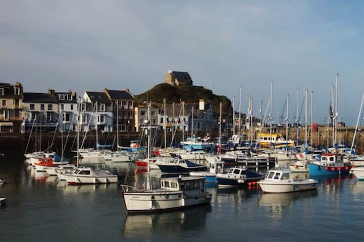 Exmouth - The Admiral's House - Ilfracombe