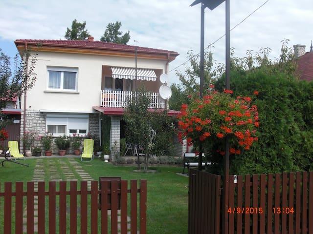Balatonmáriafürdőn vízközeli ház - Balatonmáriafürdő - Huis