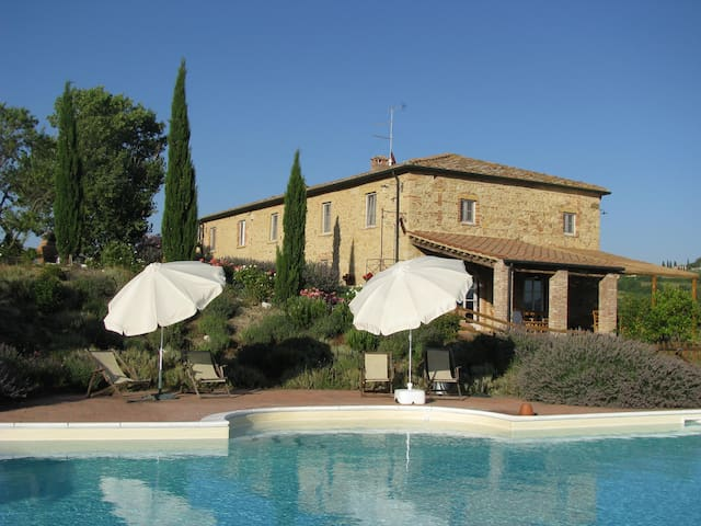 B. & B. Holidayfarm in Tuscany - Pomarance - Bed & Breakfast