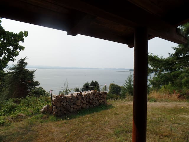 Valhalla Cabin, a rustic cabin with a view. - Rosburg - Huis