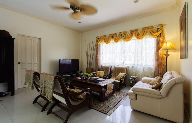 San Fermin BnB - Garden View Room - Lapu-Lapu City, Cebu - Bed & Breakfast