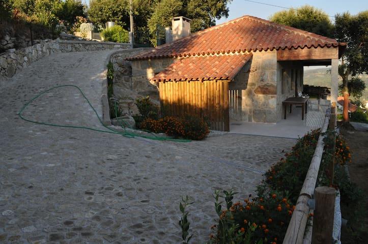 Casa em ambiente rural. - Sever do Vouga - Huis