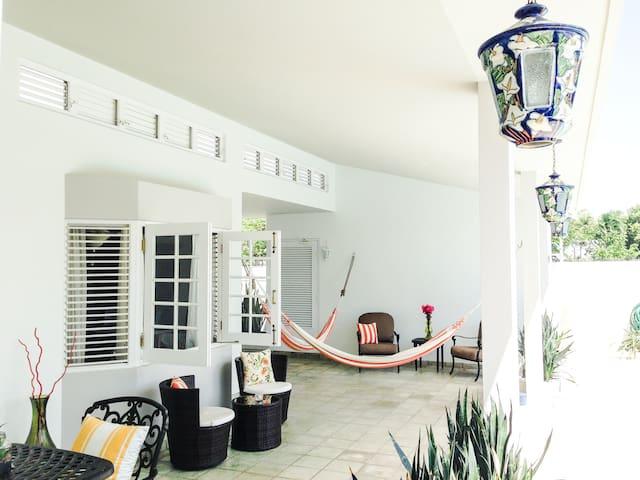 Elegant 4BD Home in Dorado Del Mar - ドラド - 一軒家