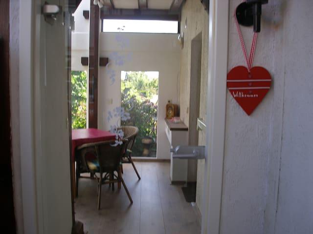 Appartement mit Wintergarten- Rhodt - Rhodt - Apartemen
