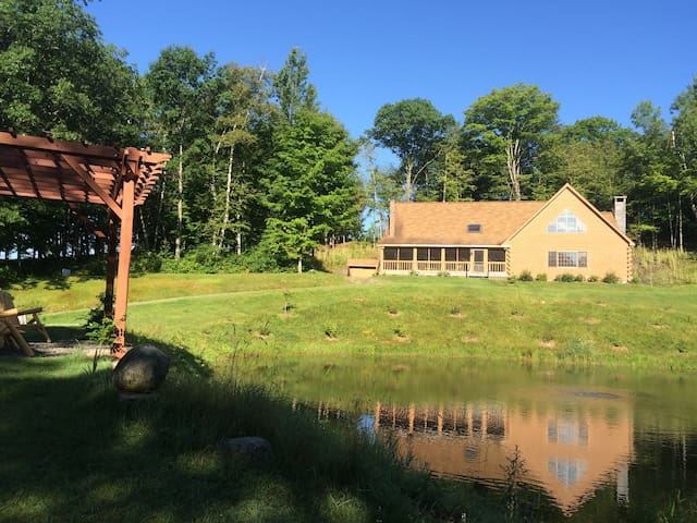 Lodge at Woods Hill - Bath - Hytte