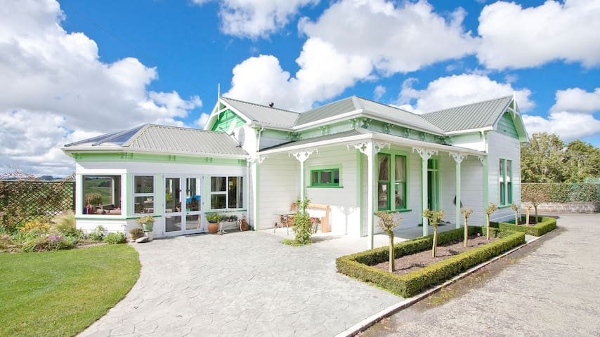 Thyme Out Estate - Halcombe - Bed & Breakfast
