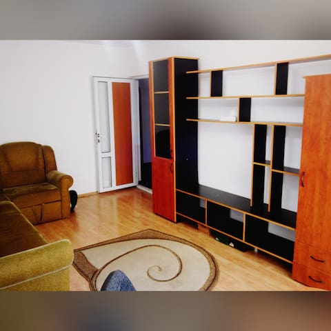 Homely Apartment - Central Ploiesti - Ploiești - Lägenhet