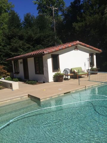 Private Cottage With Pool! - Sagrament