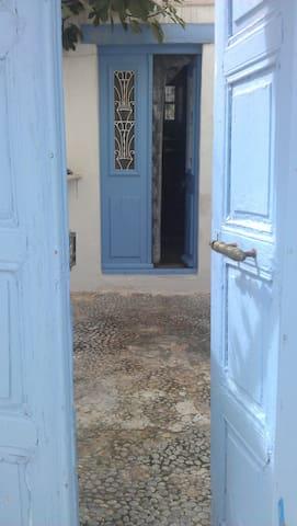 Traditional Kassian House - Fri - Casa